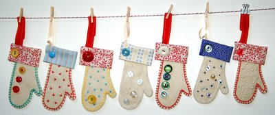 disdressed blog mittens on the line