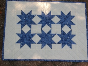 Stars in the Snow mini-quilt