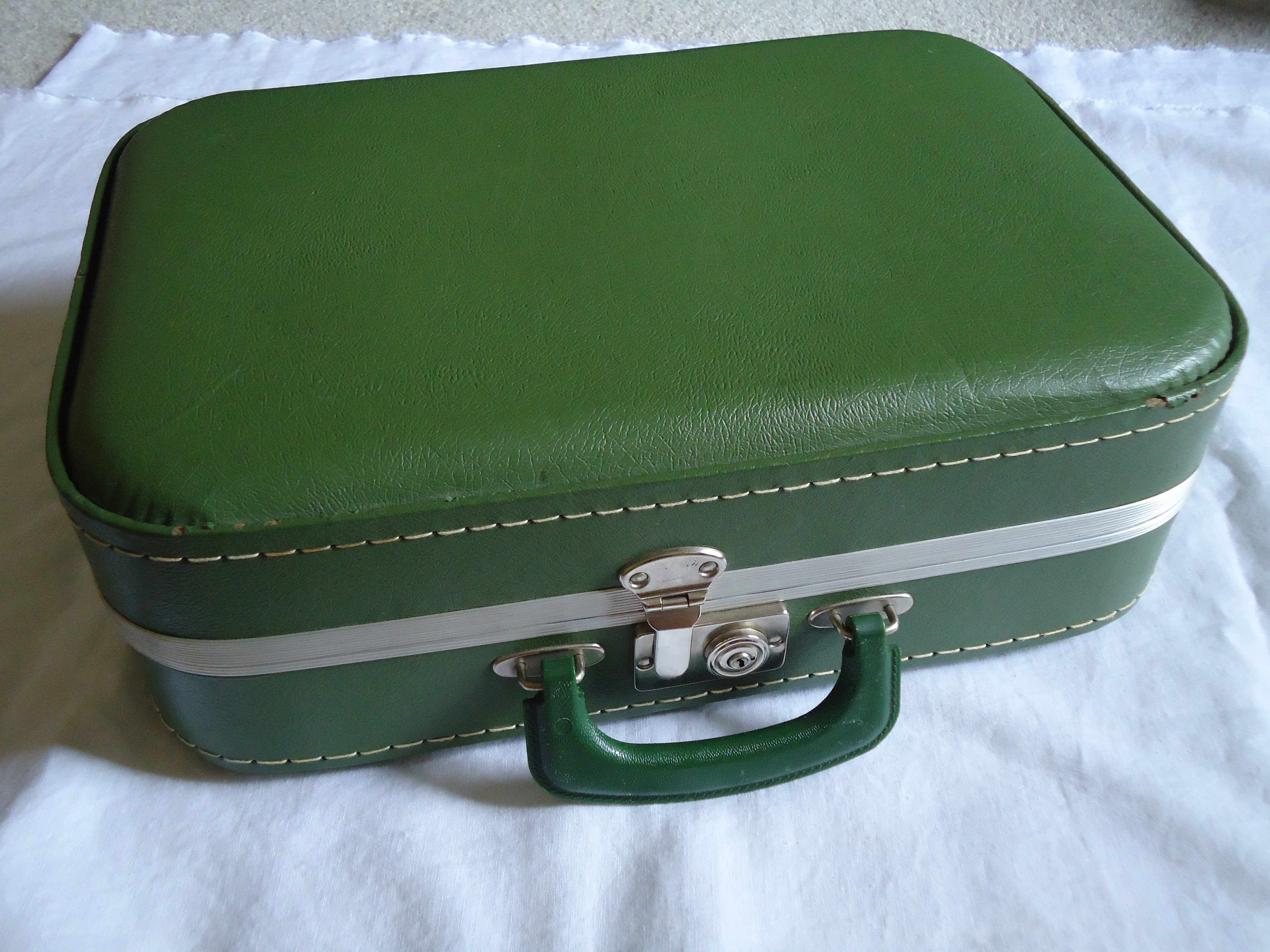 Vintage suitcase terri 39 s notebook for The vintage suitcase