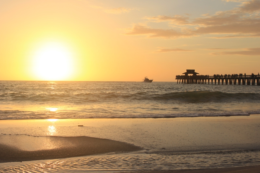 sunset at Naples pier
