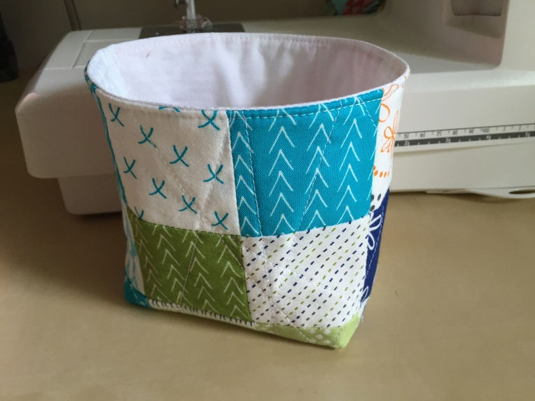 Good Neighbors thread catcher basket