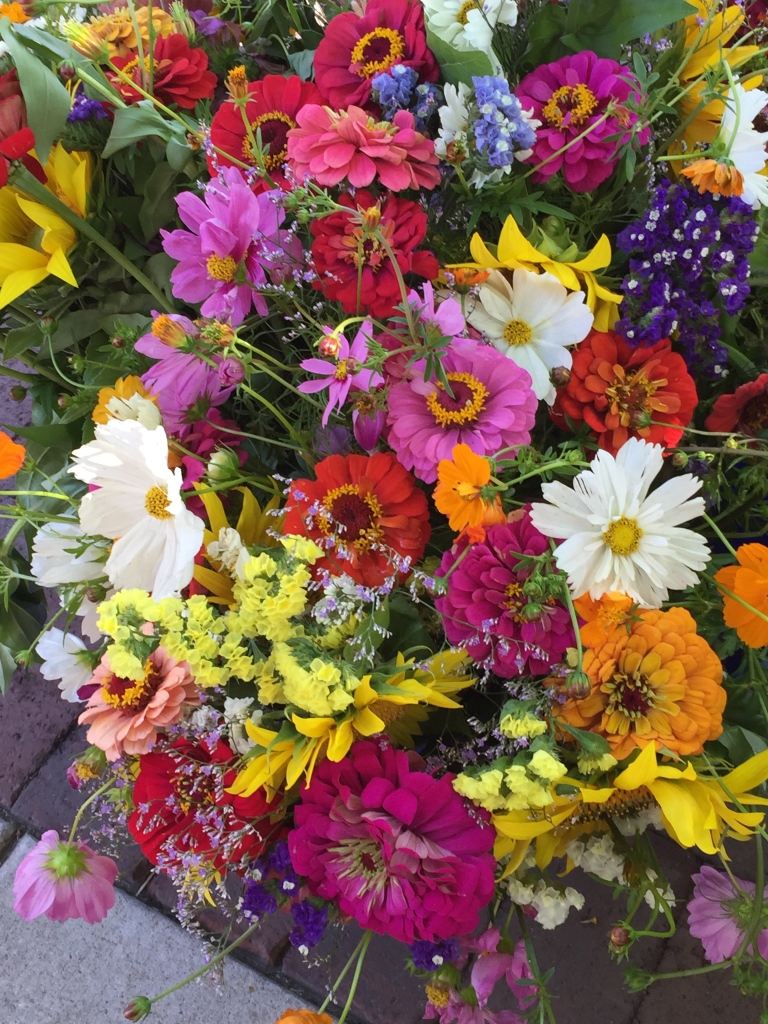 flowers at farmers market